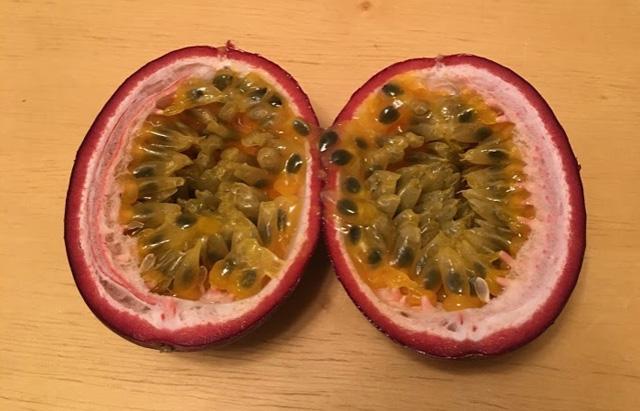 パッションフルーツの食べ方と味について